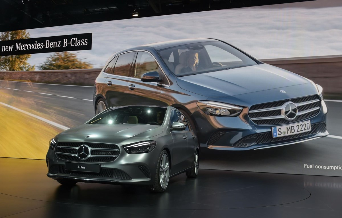 Mẫu Mercedes B class được giới thiệu tại một triển lãm ôtô (Nguồn: AFP/TTXVN)