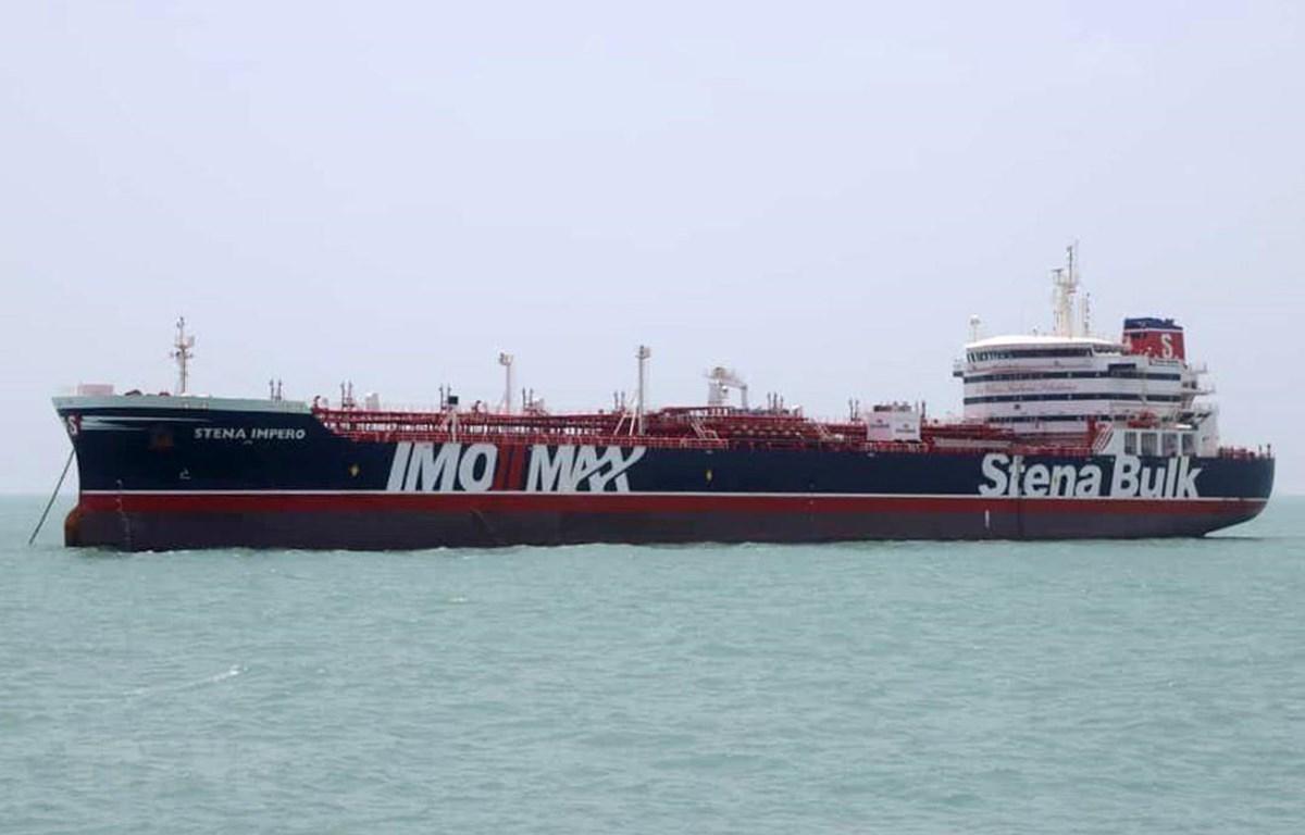 Trong ảnh: Tàu chở dầu Stena Impero treo cờ Anh neo tại cảng ở Bandar Abbas, miền Nam Iran ngày 20/7/2019. (Nguồn: AFP/TTXVN)