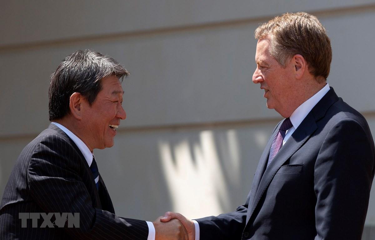 Bộ trưởng Ngoại giao Nhật Bản Toshimitsu Motegi (trái) (Nguồn: AFP/TTXVN)