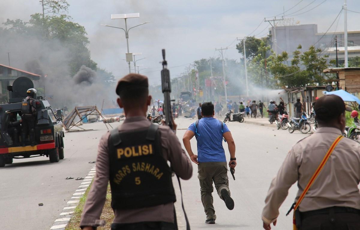 Trong ảnh: Cảnh sát Indonesia làm nhiệm vụ. (Nguồn: AFP/TTXVN)