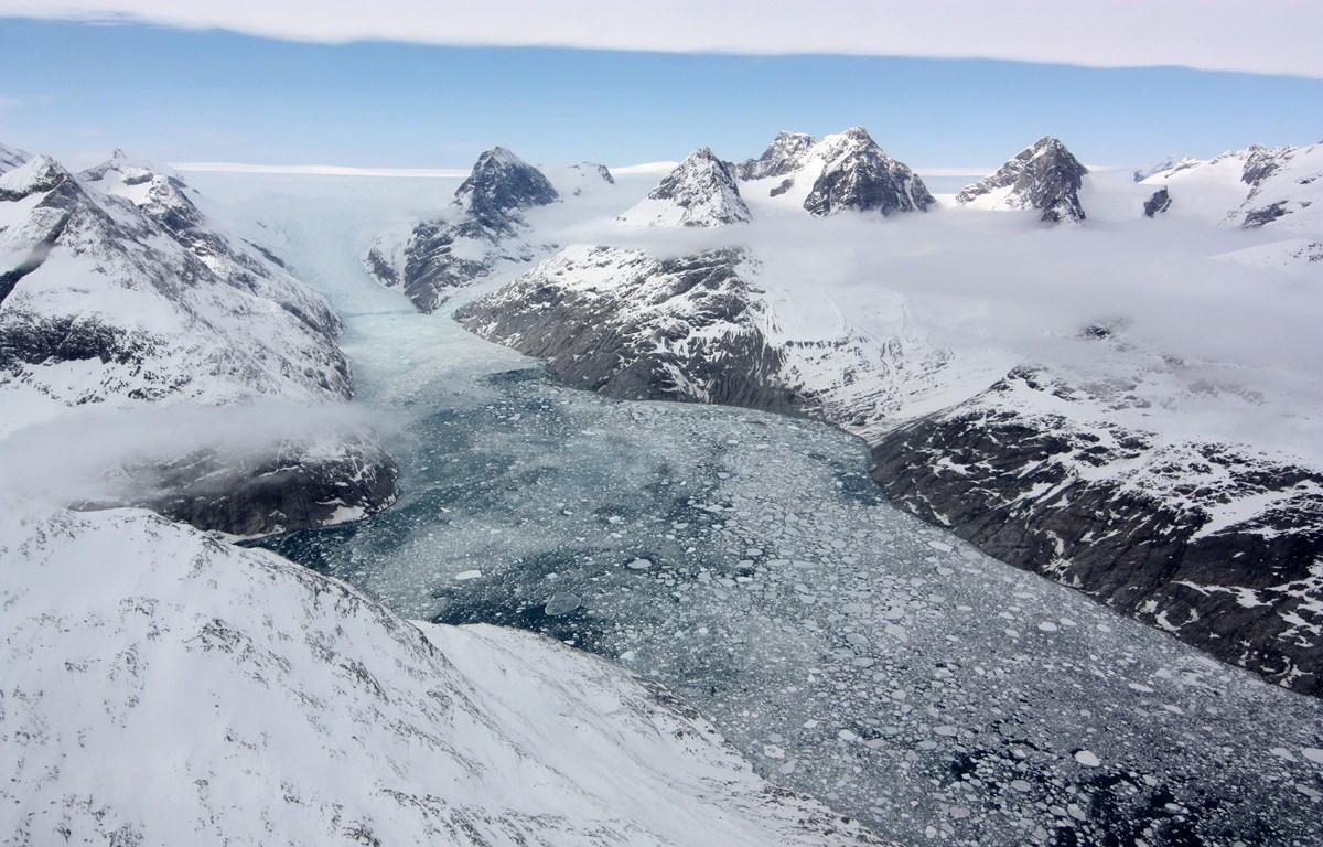 Trong ảnh (tư liệu): Băng tan tại Greenland. (Nguồn: AFP/TTXVN)