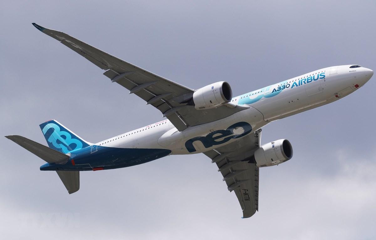 Máy bay Airbus A330neo được giới thiệu tại Triển lãm hàng không quốc tế Paris lần thứ 53 ở Pháp ngày 17/6. (Nguồn: THX/TTXVN)