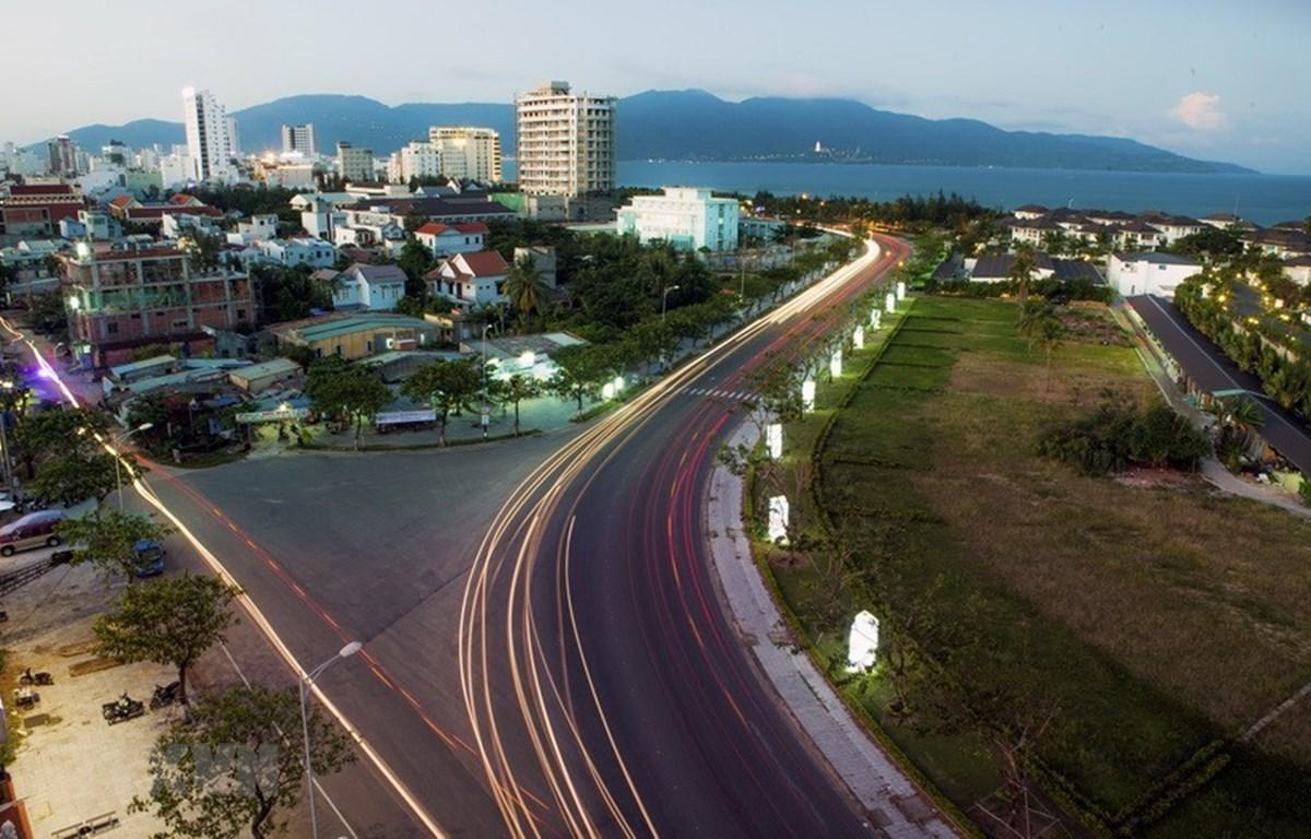 Đường Võ Nguyên Giáp ven biển, nối liền đường Hoàng Sa và Trường Sa. (Ảnh: Trọng Đạt/TTXVN)