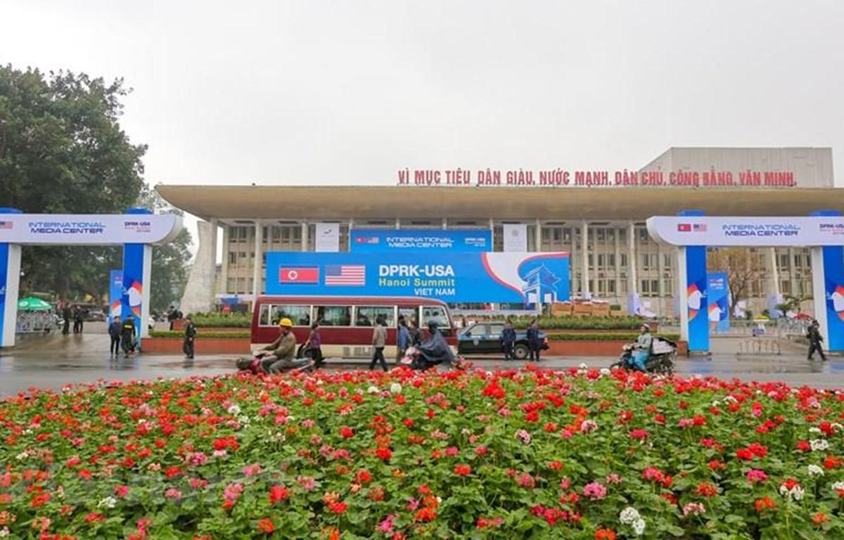 Trung tâm Báo chí quốc tế (IMC) phục vụ Hội nghị Thượng đỉnh Mỹ-Triều lần 2 được đặt tại Cung Cung Văn hóa Lao động hữu nghị Việt-Xô. (Ảnh: Minh Sơn/Vietnam+)