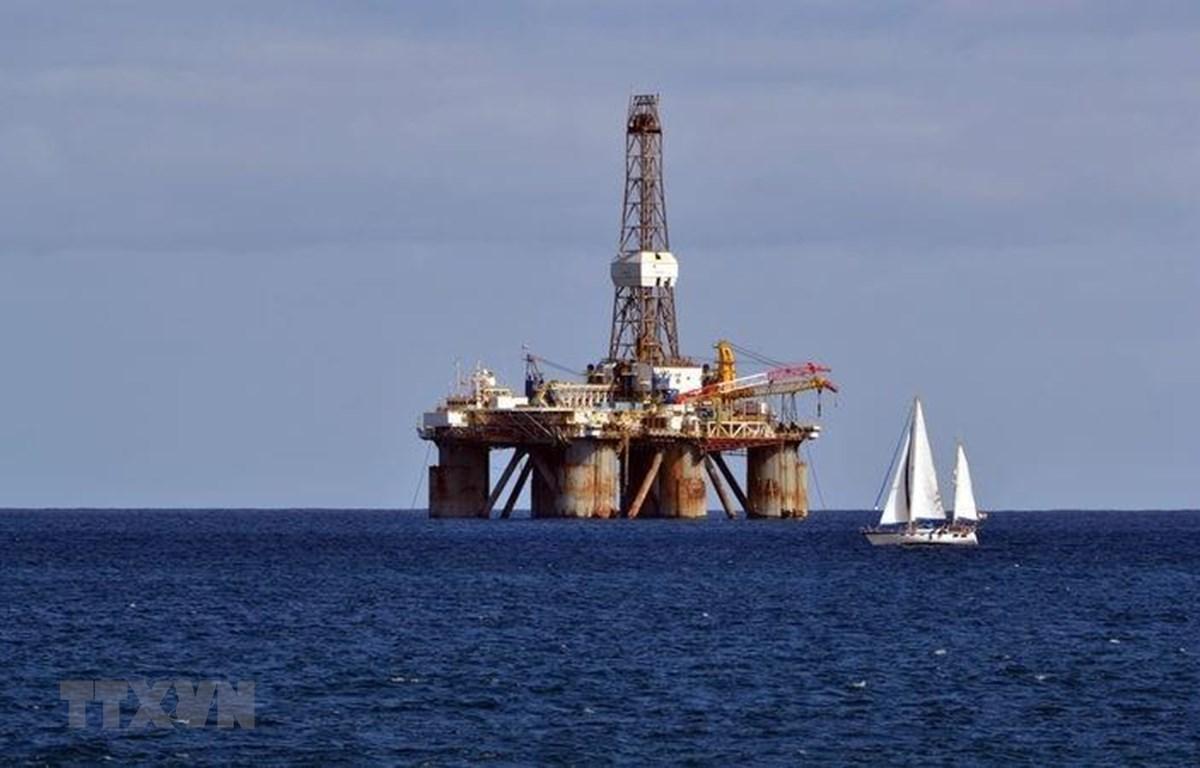 Một cơ sở khai thác dầu ngoài khơi New Zealand. (Ảnh minh họa: Radionz/TTXVN)