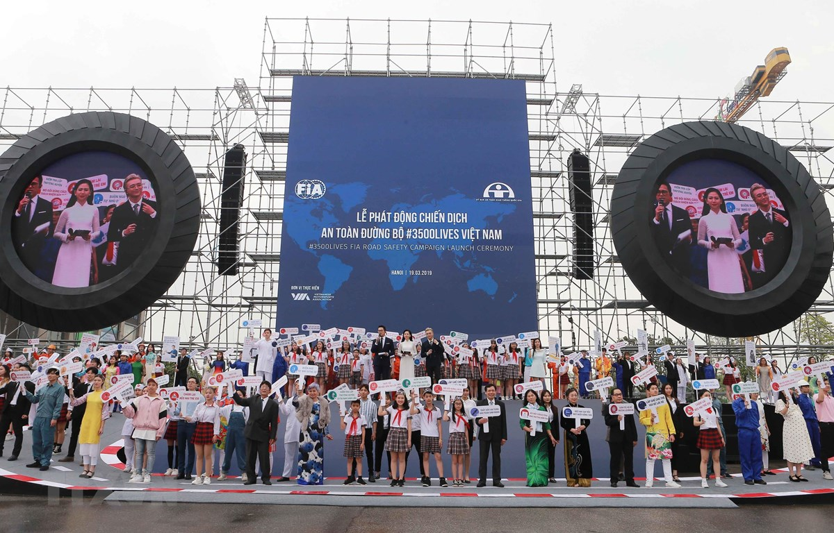 Quang cảnh Lễ phát động chiến dịch An toàn giao thông 3500 sinh mạng. (Ảnh: Doãn Tấn/TTXVN)