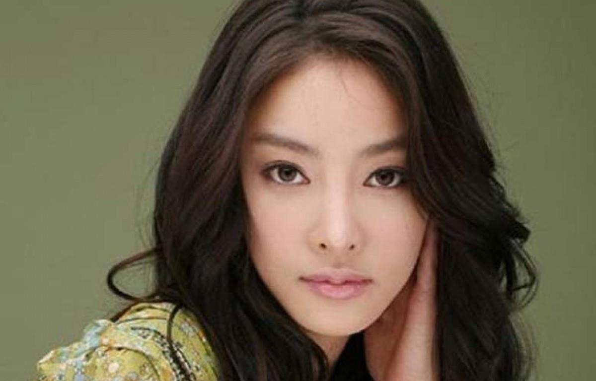 Nữ diễn viên Jang Ja-yeon mất tại nhà riêng năm 2009 khi mới 29 tuổi. (Nguồn: scmp.com)