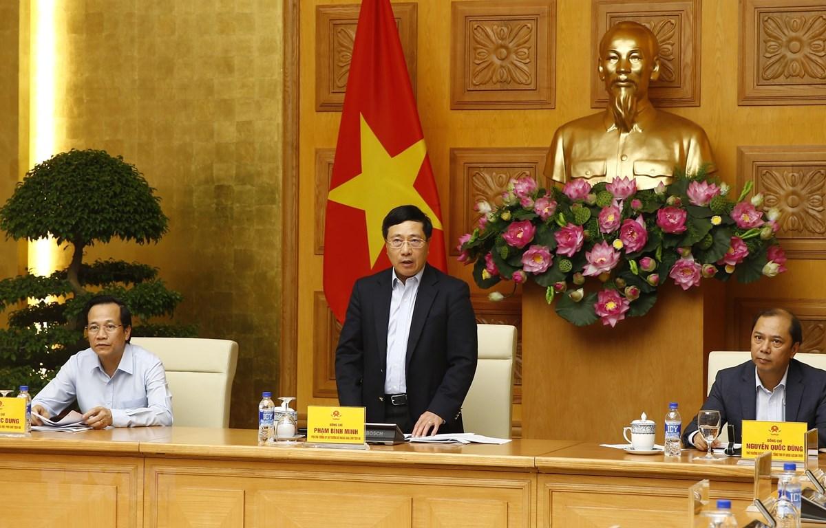 Phó Thủ tướng, Bộ trưởng Bộ Ngoại giao Phạm Bình Minh, Chủ tịch Ủy ban Quốc gia ASEAN 2020 phát biểu chỉ đạo. (Ảnh: Lâm Khánh/TTXVN)