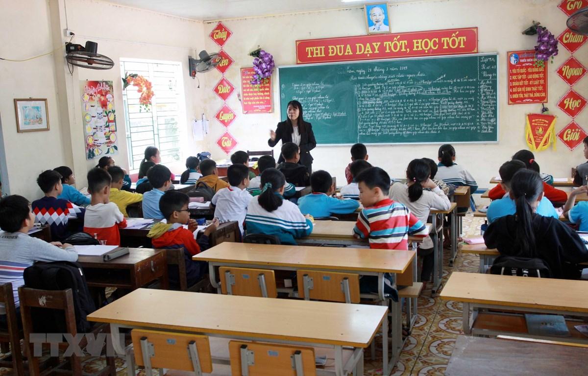 Một số lớp của Trường Tiểu học thị trấn Vũ Thư, huyện Vũ Thư, tỉnh Thái Bình, vắng học sinh ngày 28/3/2019. (Ảnh: Thế Duyệt/ – TTXVN)