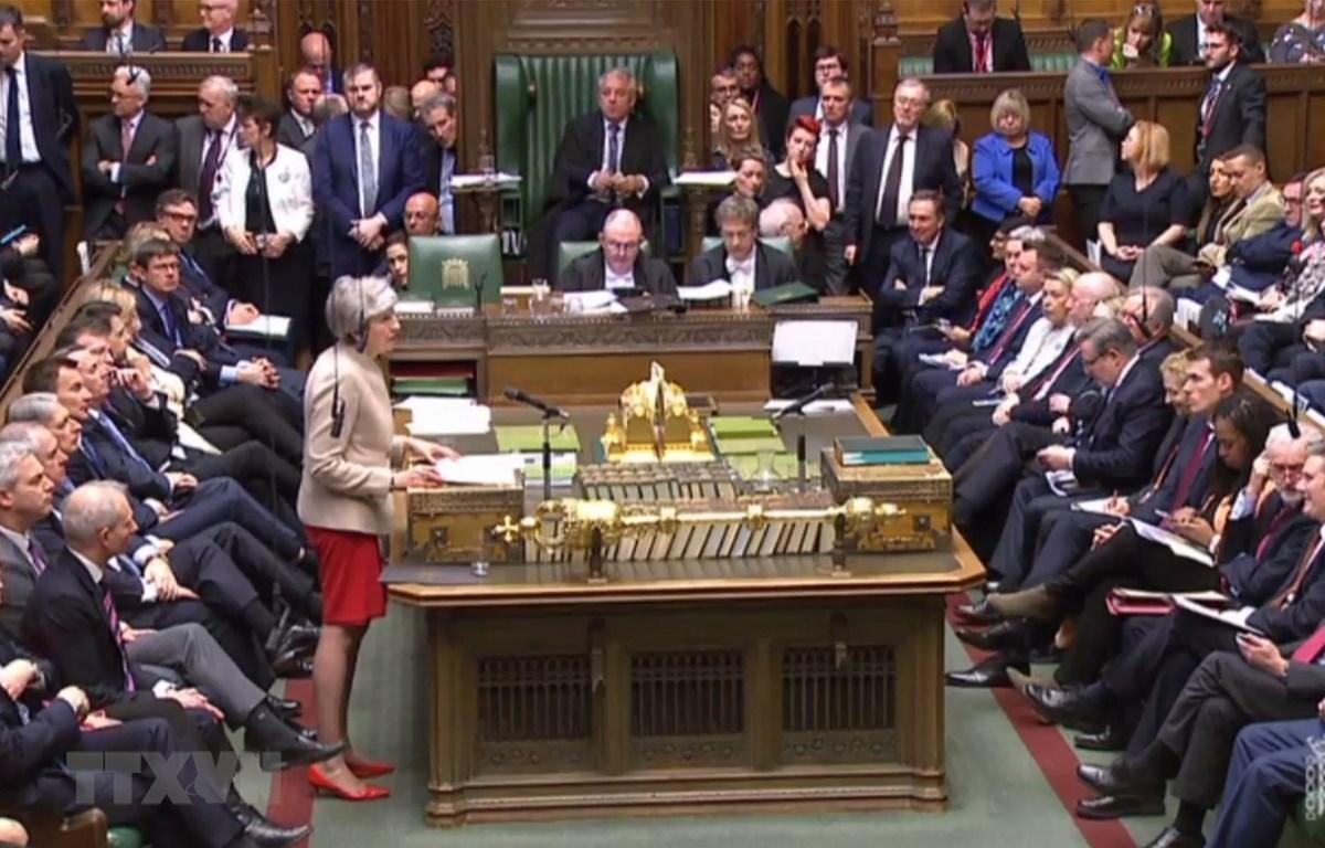 Thủ tướng Anh Theresa May (giữa, trái) phát biểu tại cuộc họp Hạ viện ở thủ đô London ngày 29/3/2019. (Ảnh: AFP/ TTXVN)
