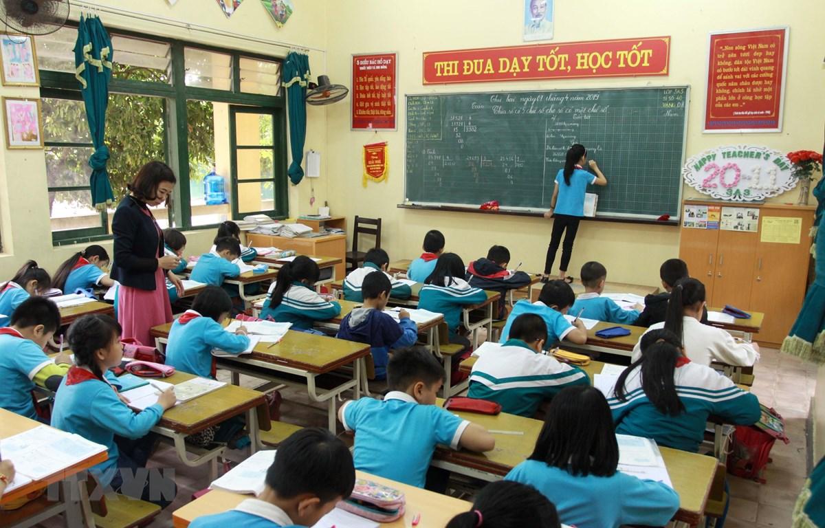 Học sinh trường tiểu học thị trấn Vũ Thư đã cơ bản đi học lại bình thường. (Ảnh: Thế Duyệt/TTXVN)