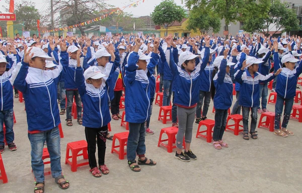 Giáo dục kỹ năng phòng, chống quấy rối và xâm hại tình dục trẻ em cho học sinh tại Ninh Bình. (Ảnh: Hải Yến/TTXVN)