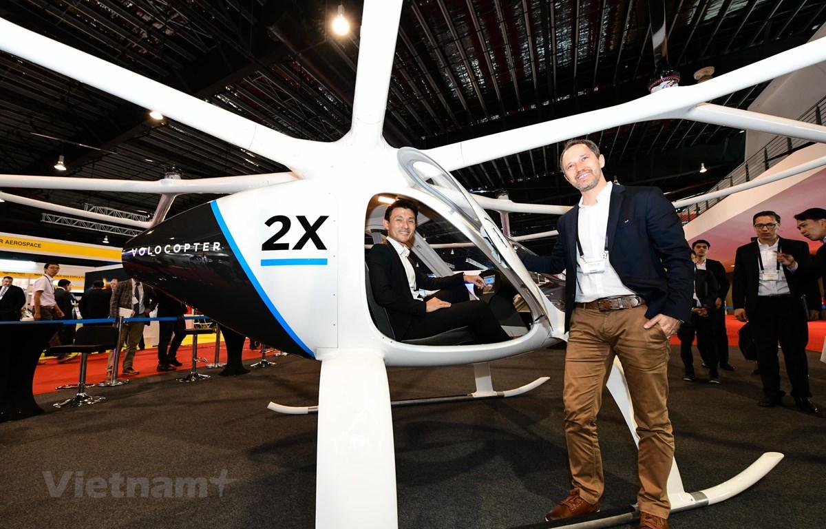 Khai mạc triển lãm máy bay trực thăng và các hệ thống không người lái tại Singapore. (Ảnh: Việt Dũng/Vietnam+)