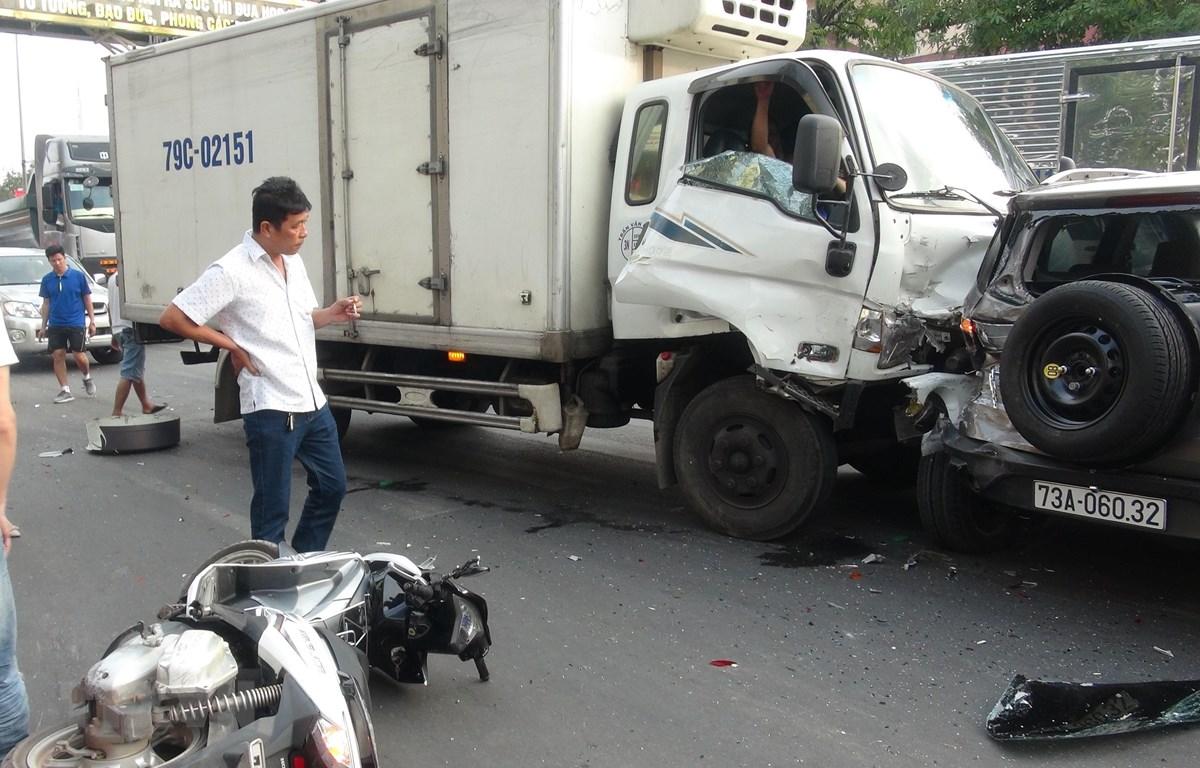 Hiện trượng vụ tai nạn giao giao thông. (Ảnh: Đức Thọ/TTXVN)