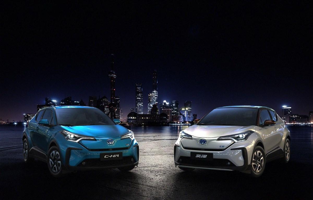 Hai mẫu C-HR and Izoa của Toyota. (Nguồn: cnet.com)