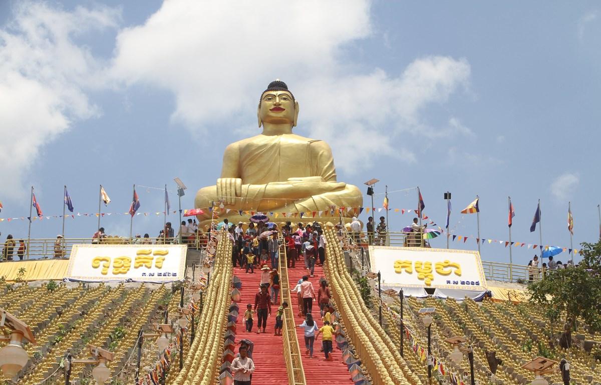 Tượng phật tại chùa Putkiri Campuchia. (Ảnh: Chanh Äa/Vietnam+)