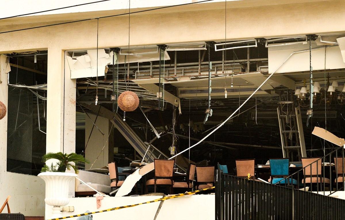 Hiện trường vụ nổ tại một khách sạn ở Colombo, Sri Lanka, ngày 21/4/2019. (Ảnh: AFP/ TTXVN)