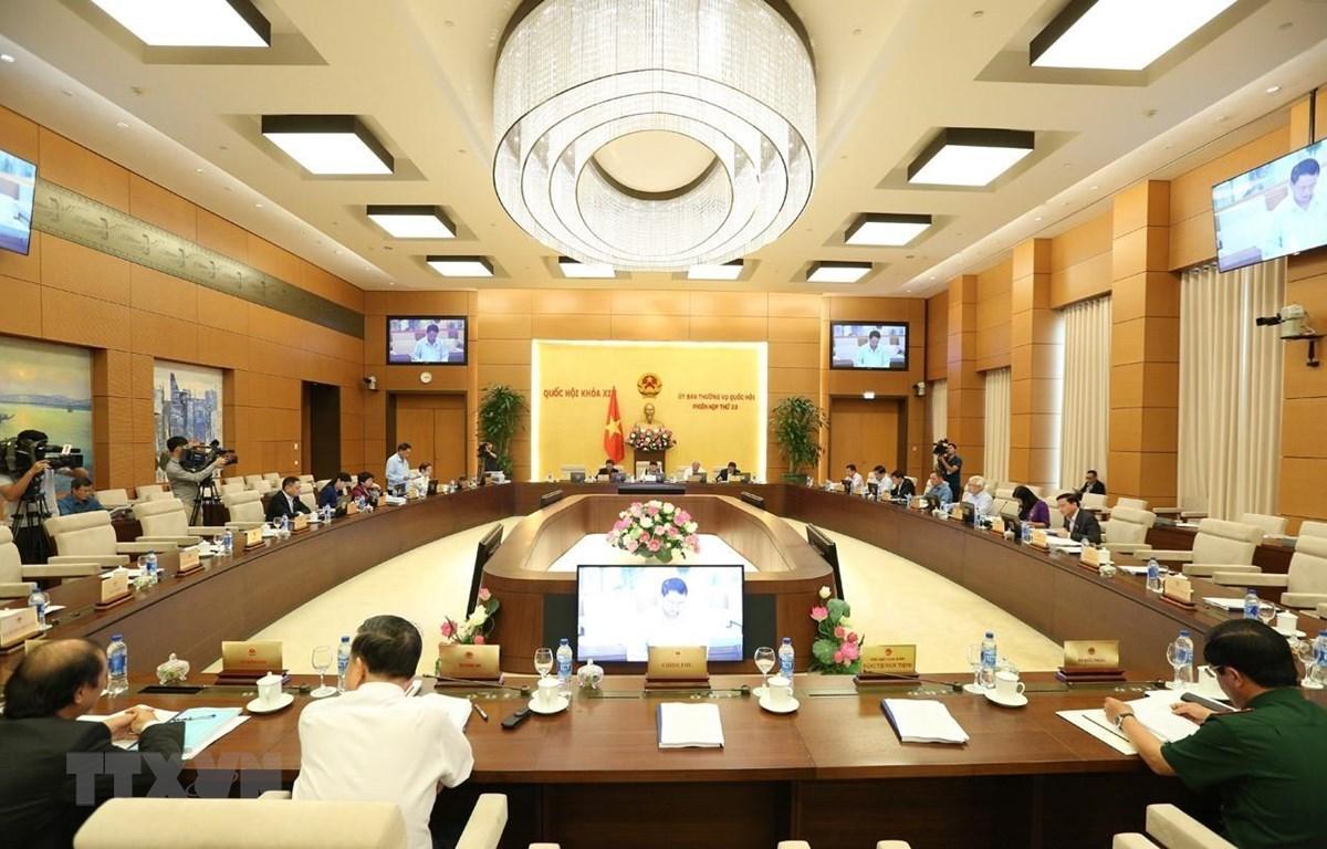 Phiên họp thứ 33 của Ủy ban Thường vụ Quốc hội. (Ảnh: Dương Giang/TTXVN)