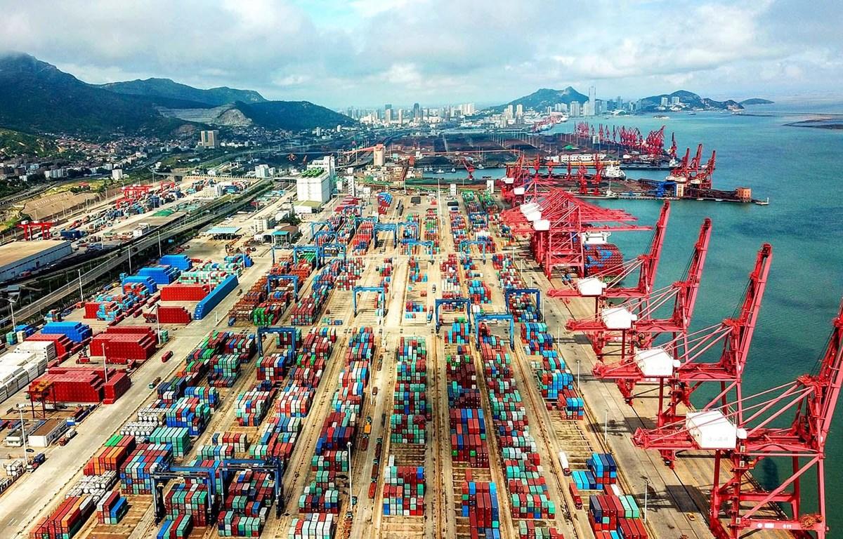 Cảng hàng hóa tại Giang Tô, Trung Quốc. (Nguồn: brinknews.com)