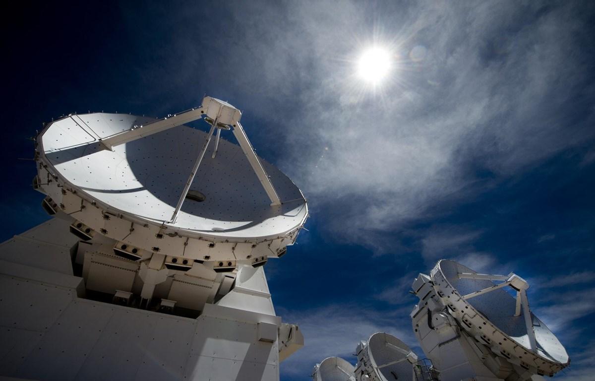 Siêu kính viễn vọng ALMA. (Nguồn: cosmosmagazine.com)
