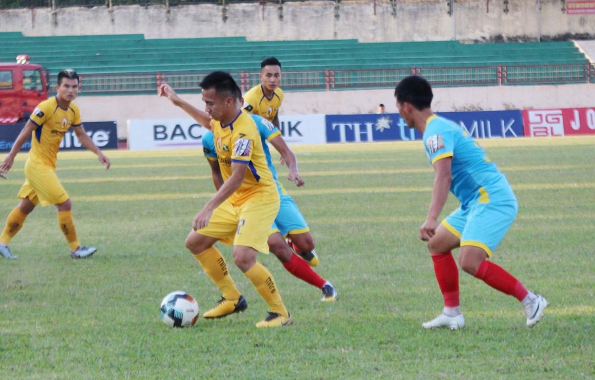 Sông Lam Nghệ An hòa 0-0 Sanna Khánh Hòa trên sân Vinh. (Ảnh: Nguyễn Oanh/TTXVN)