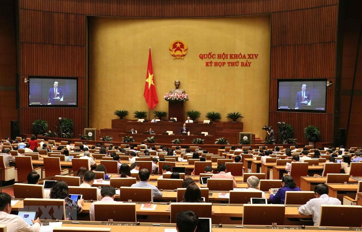Bộ trưởng Bộ Xây dựng Phạm Hồng Hà phát biểu giải trình, làm rõ một số vấn đề Đại biểu Quốc hội nêu. (Ảnh: Văn Điệp/TTXVN)