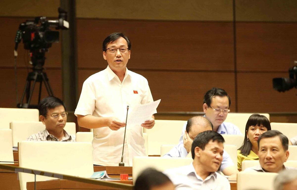 Đại biểu Quốc hội tỉnh Bình Phước Phan Viết Lượng phát biểu. (Ảnh: Phương Hoa/TTXVN)