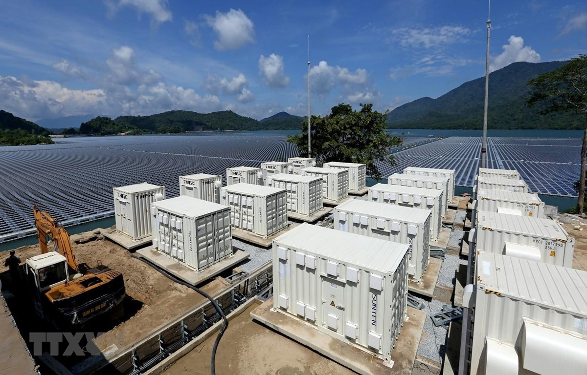 Trạm Inverter B Nhà máy điện Mặt Trời Đa Mi.(Ảnh: Ngọc Hà/TTXVN)
