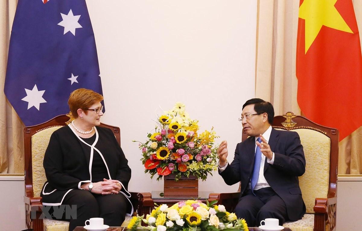 Phó Thủ tướng, Bộ trưởng Bộ Ngoại giao Phạm Bình Minh hội đàm hẹp với Bộ trưởng Bộ Ngoại giao kiêm Bộ trưởng về Phụ nữ Australia Marise Payne. (Ảnh: Lâm Khánh/TTXVN)