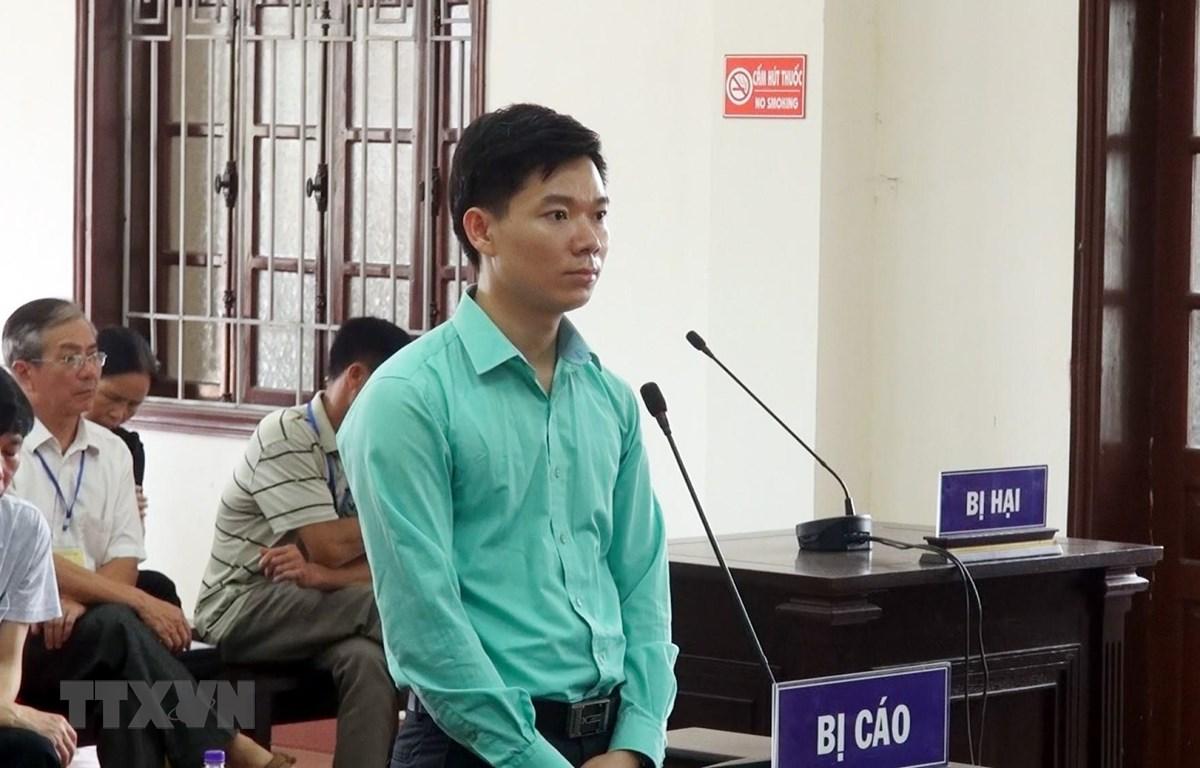 Bị cáo Hoàng Công Lương tại tòa. (Ảnh: Thanh Hải/TTXVN)