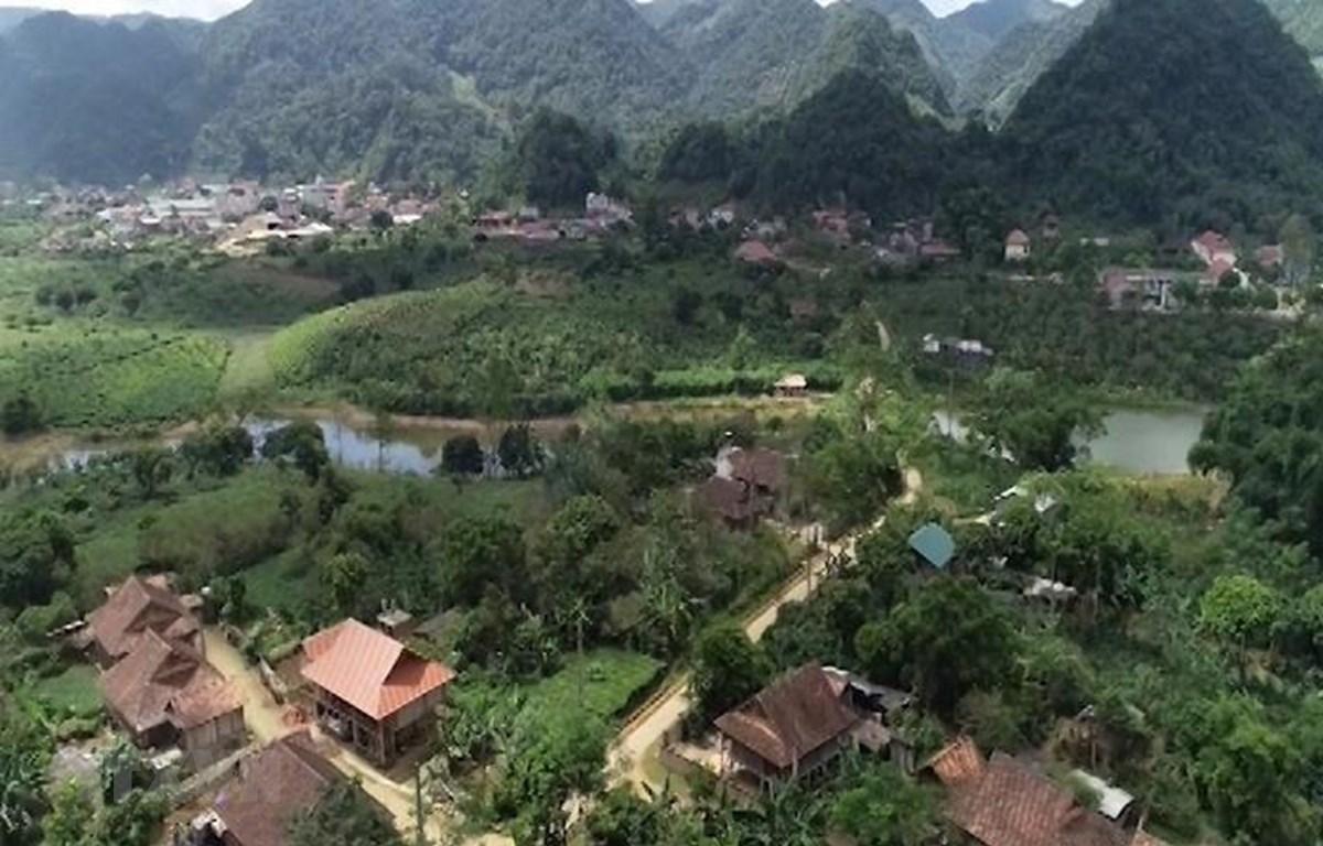 Huyện Thuận Châu (tỉnh Sơn La) - nơi đón Bác về thăm năm xưa ngày một đổi mới và phát triển. (Ảnh: TTXVN phát)