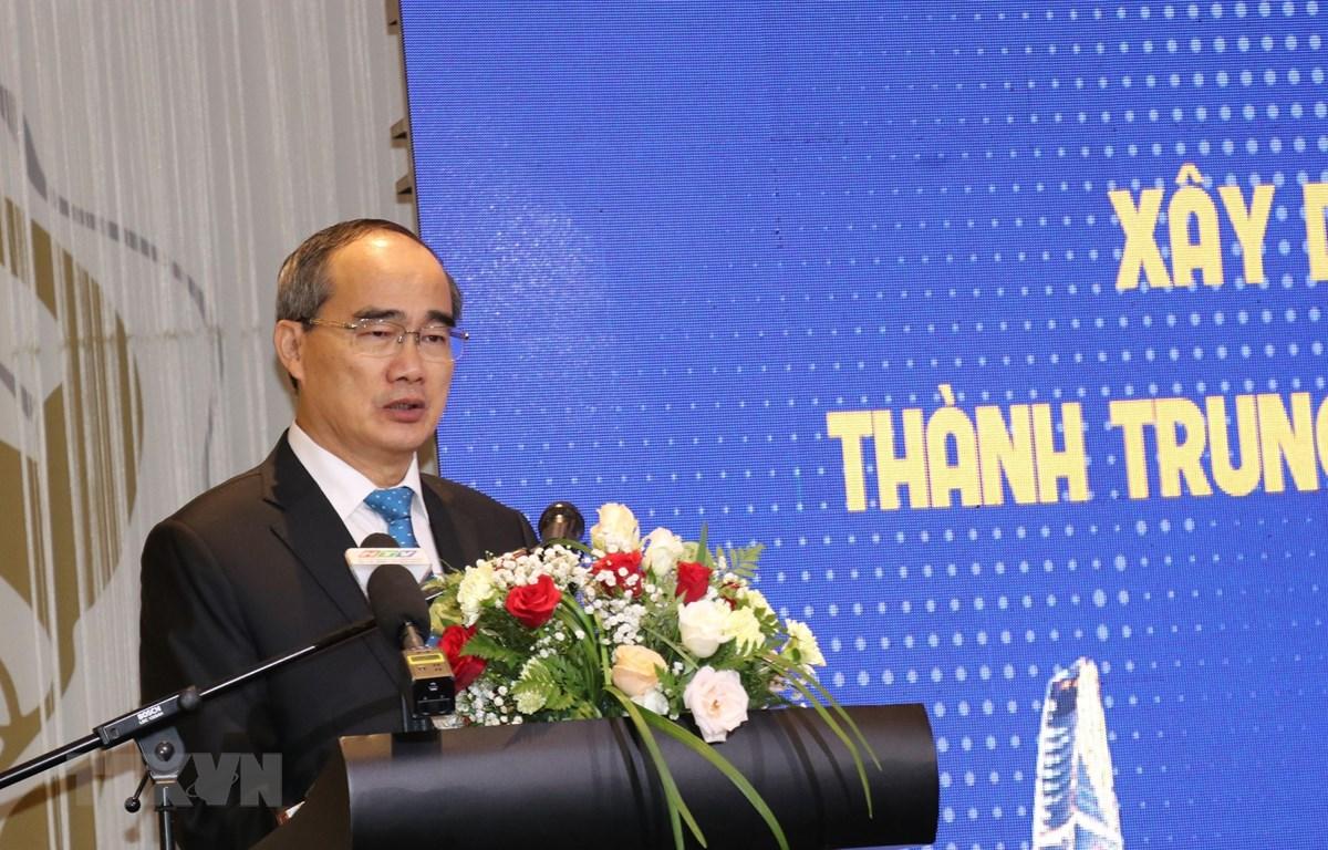Bí thư Thành uỷ TP.Hồ Chí Minh Nguyễn Thiện Nhân phát biểu kết luận tại hội thảo. (Ảnh: Hứa Chung/TTXVN)