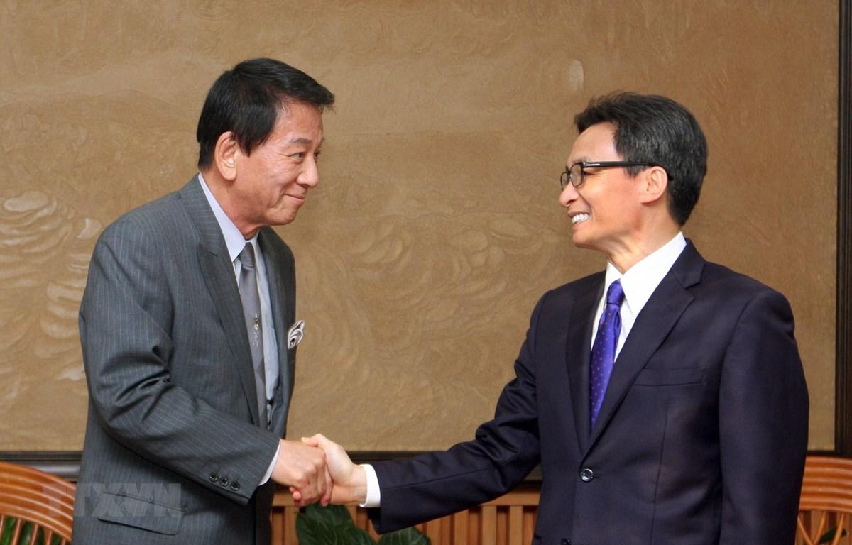 Phó Thủ tướng Vũ Đức Đam tiếp ông Sugi Ryotaro, Đại sứ đặc biệt Việt-Nhật. (Ảnh: Nguyễn Dân/TTXVN)