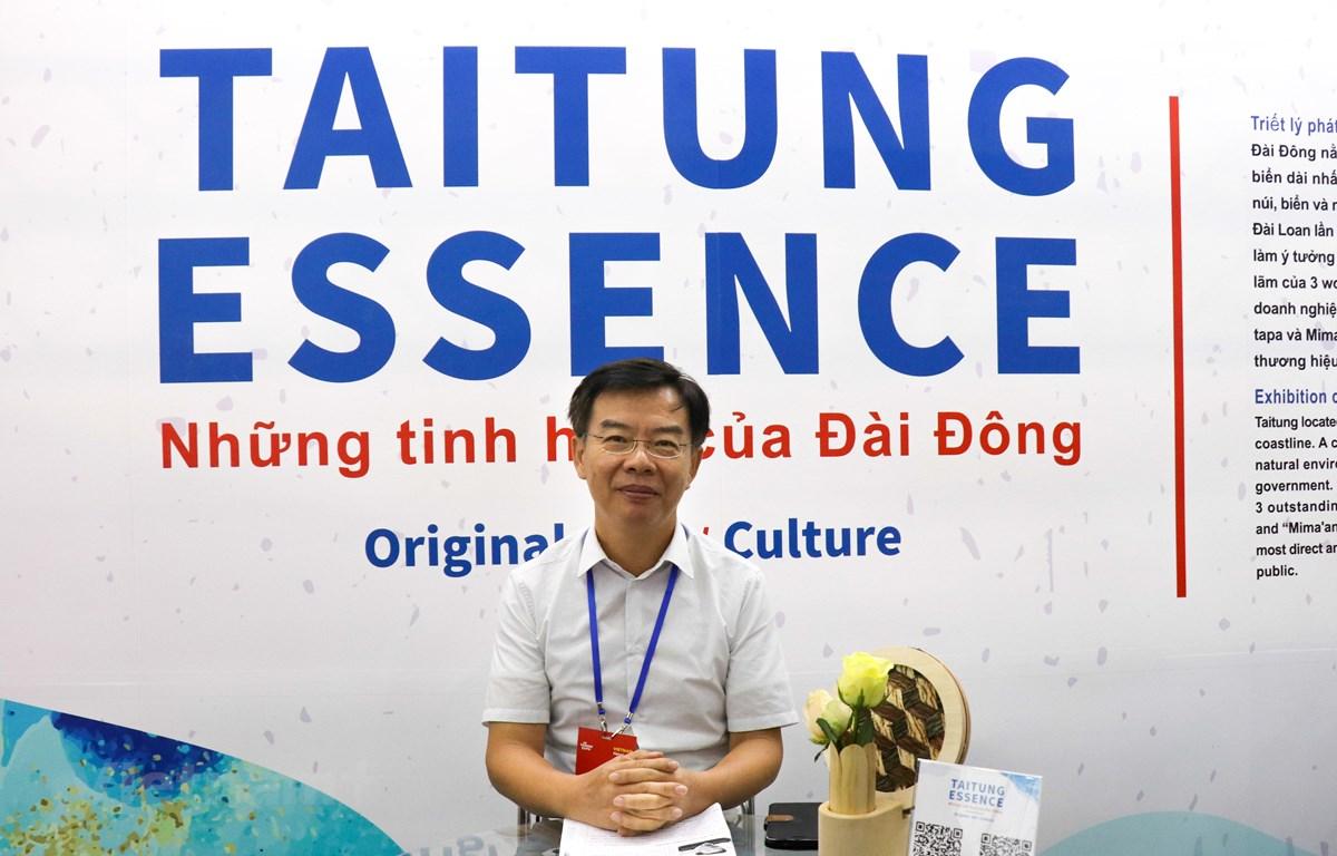 Ông Chung Ching-Bo, Giám đốc sở Văn hóa huyện Đài Đông trả lời phỏng vấn. (Nguồn: Vietnam+)