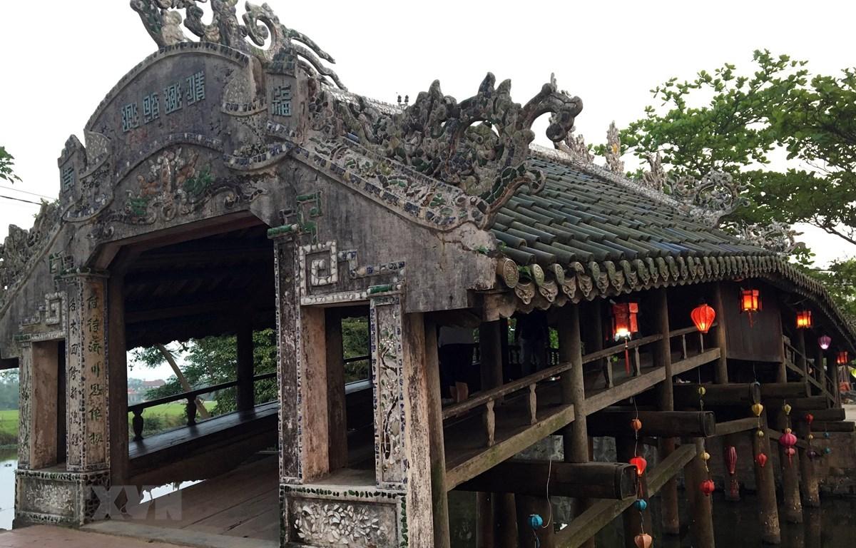 Cầu ngói Thanh Toàn. (Ảnh: Quốc Việt/TTXVN)