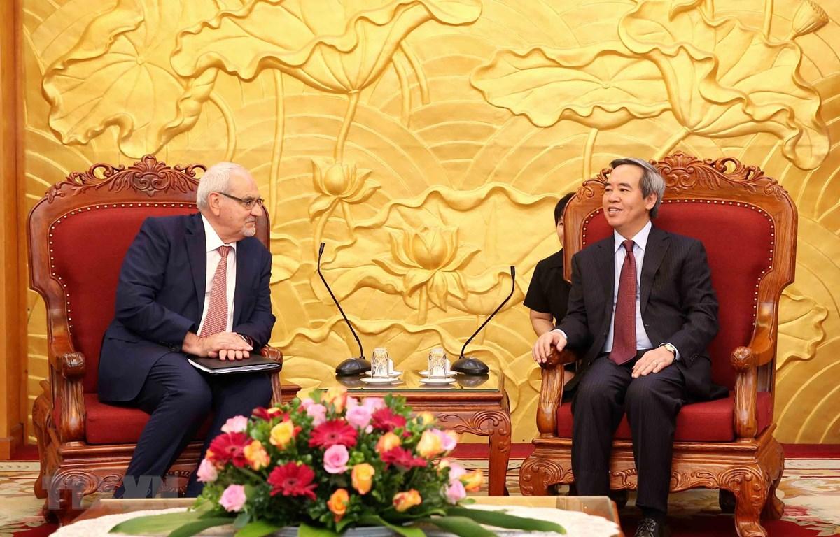 Trưởng Ban Kinh tế Trung ương Nguyễn Văn Bình tiếp Tổng Giám đốc điều hành Tổ chức Tài chính quốc tế. (Ảnh: Phương Hoa/TTXVN)