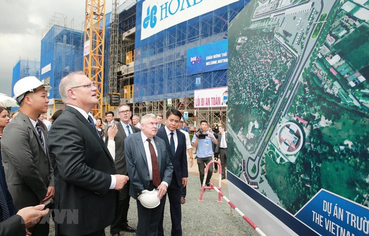 Thủ tướng Australia Scott Morrison tham quan dự án Trường đua công thức 1 Việt Nam. (Ảnh: Lâm Khánh/TTXVN)