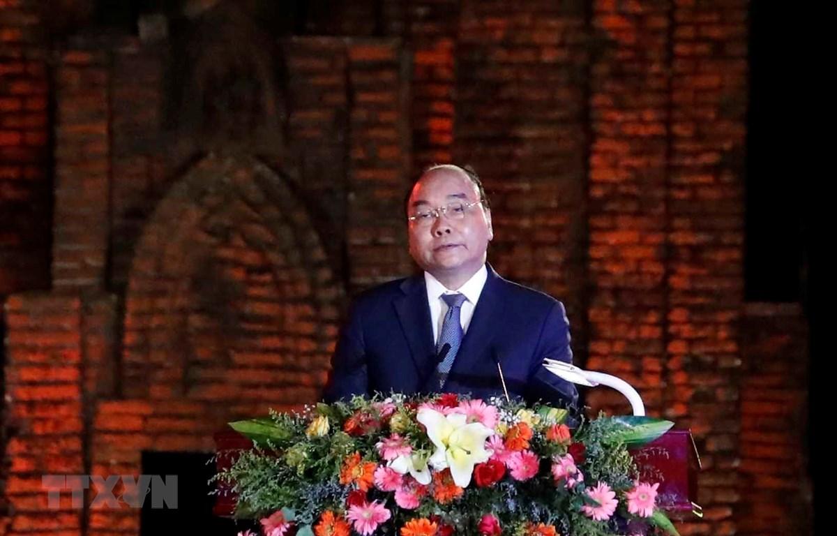 Thủ tướng Nguyễn Xuân Phúc phát biểu tại buổi lễ. (Ảnh: Thống Nhất/TTXVN)
