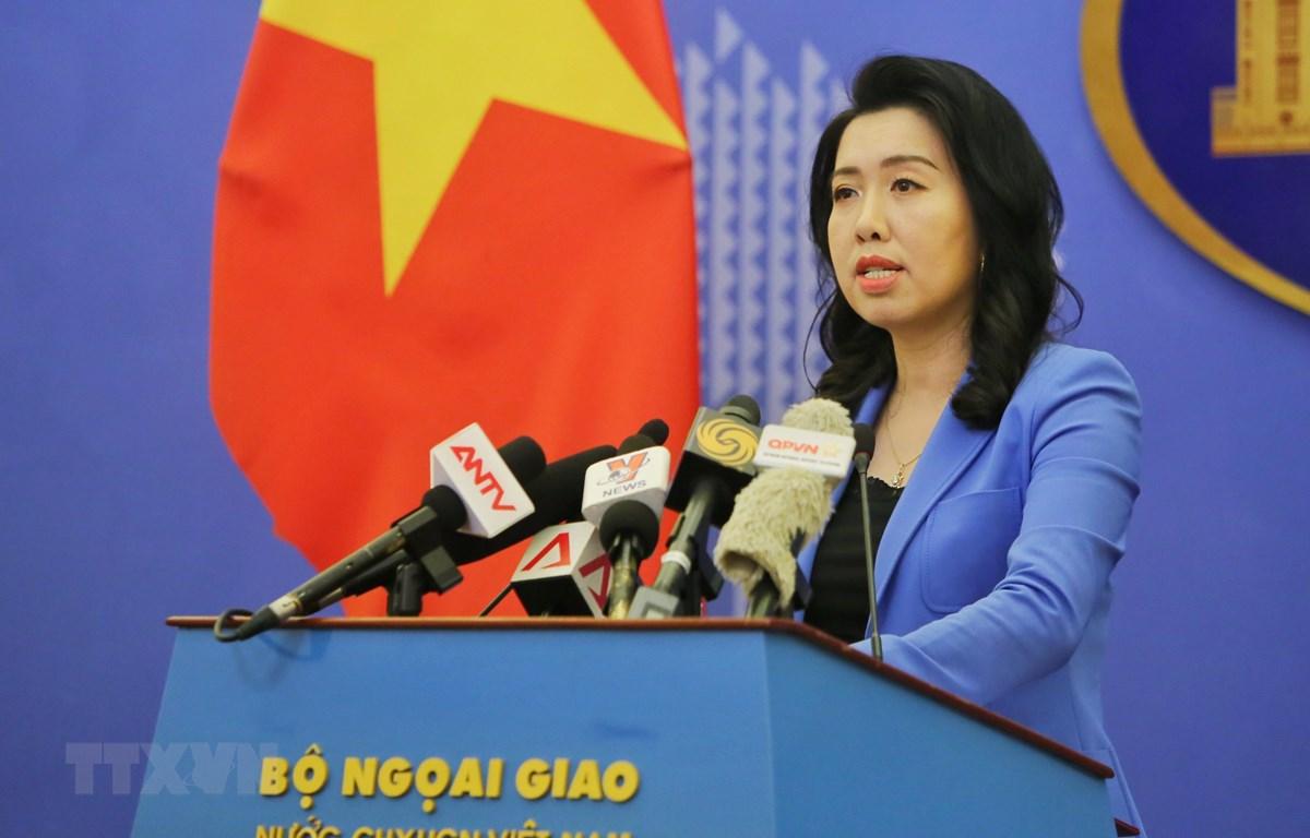 Người phát ngôn Bộ Ngoại giao Lê Thị Thu Hằng trả lời câu hỏi của phóng viên về một số vấn đề dư luận quan tâm. Ảnh: TTXVN