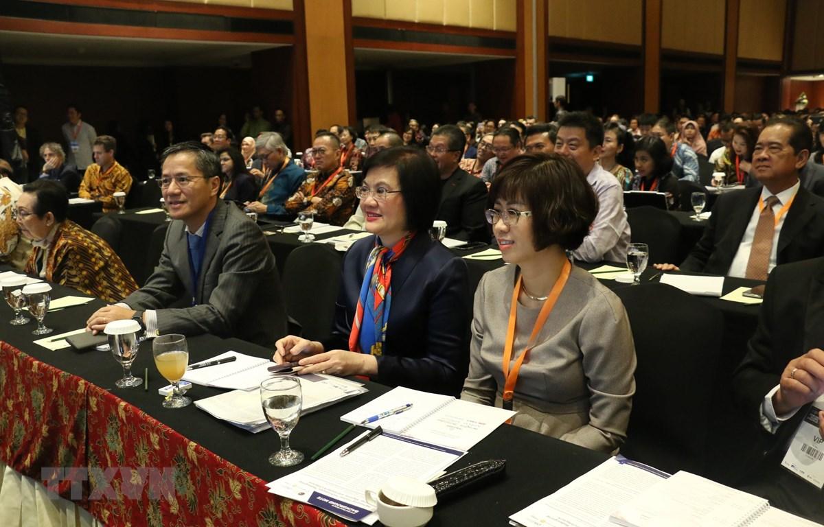 Đoàn Việt Nam do Đại sứ Nguyễn Nguyệt Nga dẫn đầu tham dự hội nghị. (Ảnh: Hữu Chiến/TTXVN)