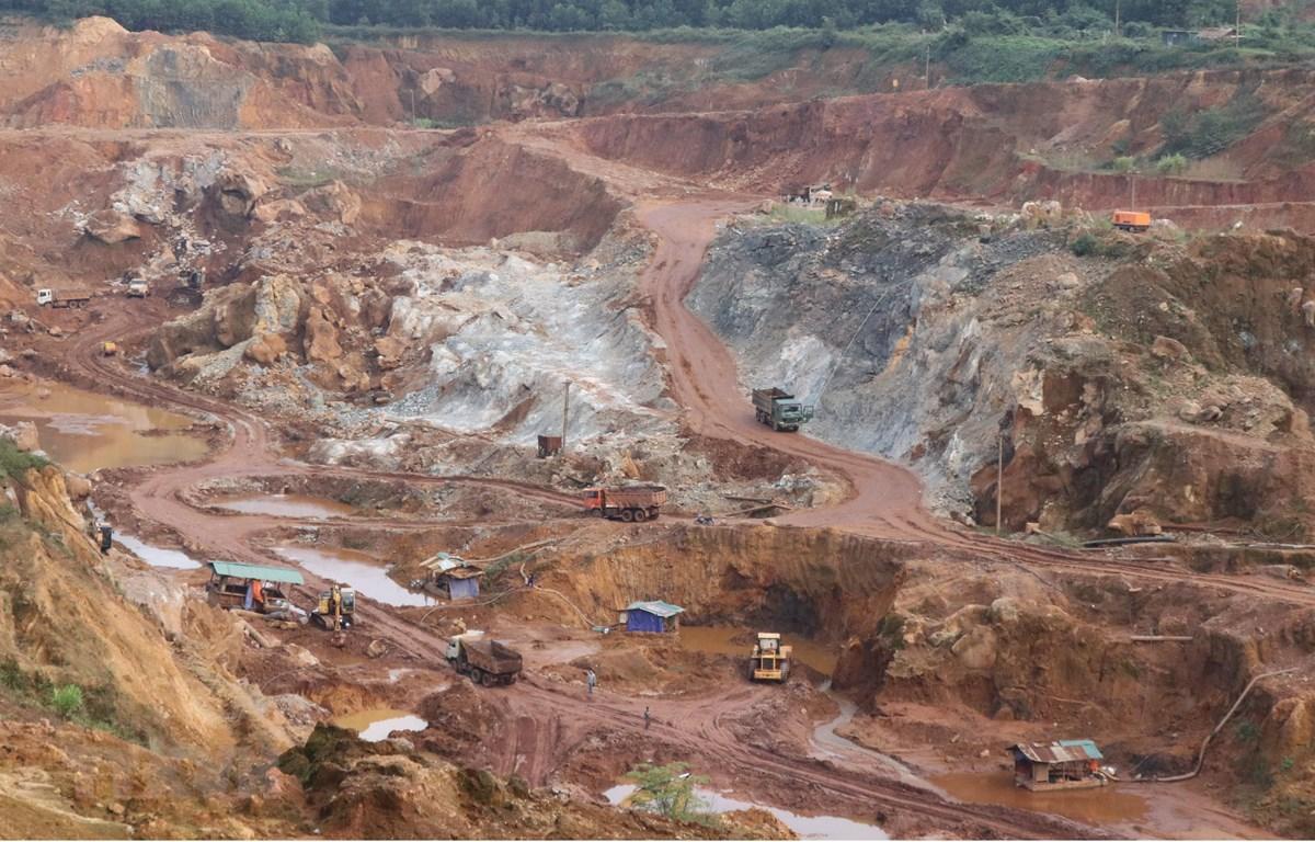 Một góc điểm mỏ khai thác quặng chính của Mỏ sắt Trại Cau. (Ảnh: Hoàng Nguyên/TTXVN)