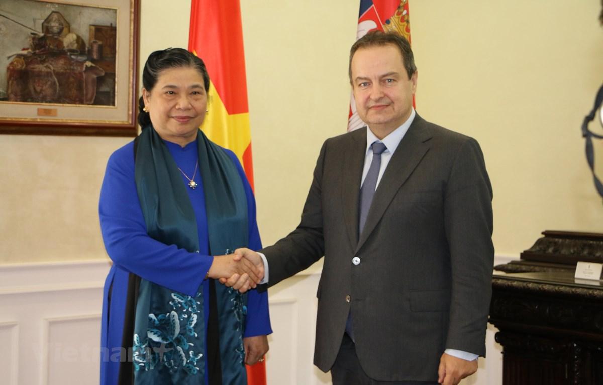 Phó Chủ tịch Thường trực Quốc hội gặp Phó Thủ tướng Thứ nhất Serbia Ivica Dacic. (Ảnh: Trần Hiếu/TTXVN)
