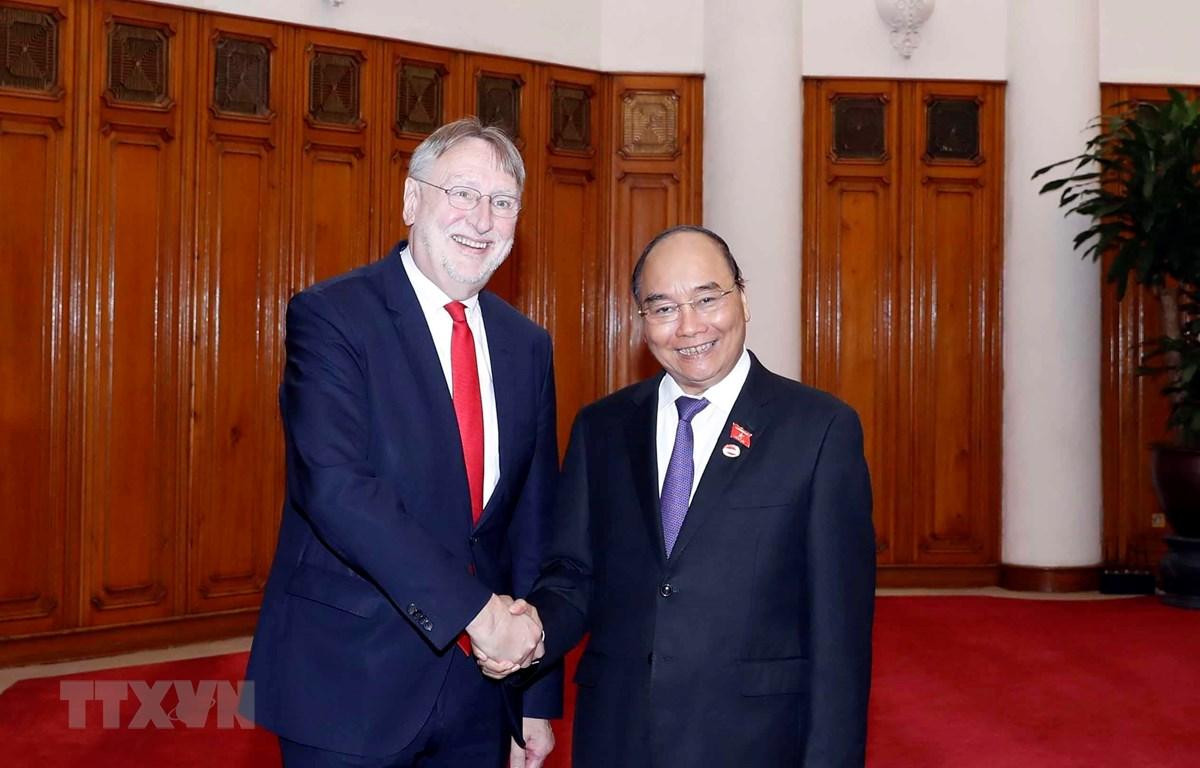 Thủ tướng Nguyễn Xuân Phúc tiếp ông Bernd Lange, Chủ tịch Ủy ban Thương mại quốc tế (INTA) của Nghị viện Châu Âu. (Ảnh: Thống Nhất/TTXVN)