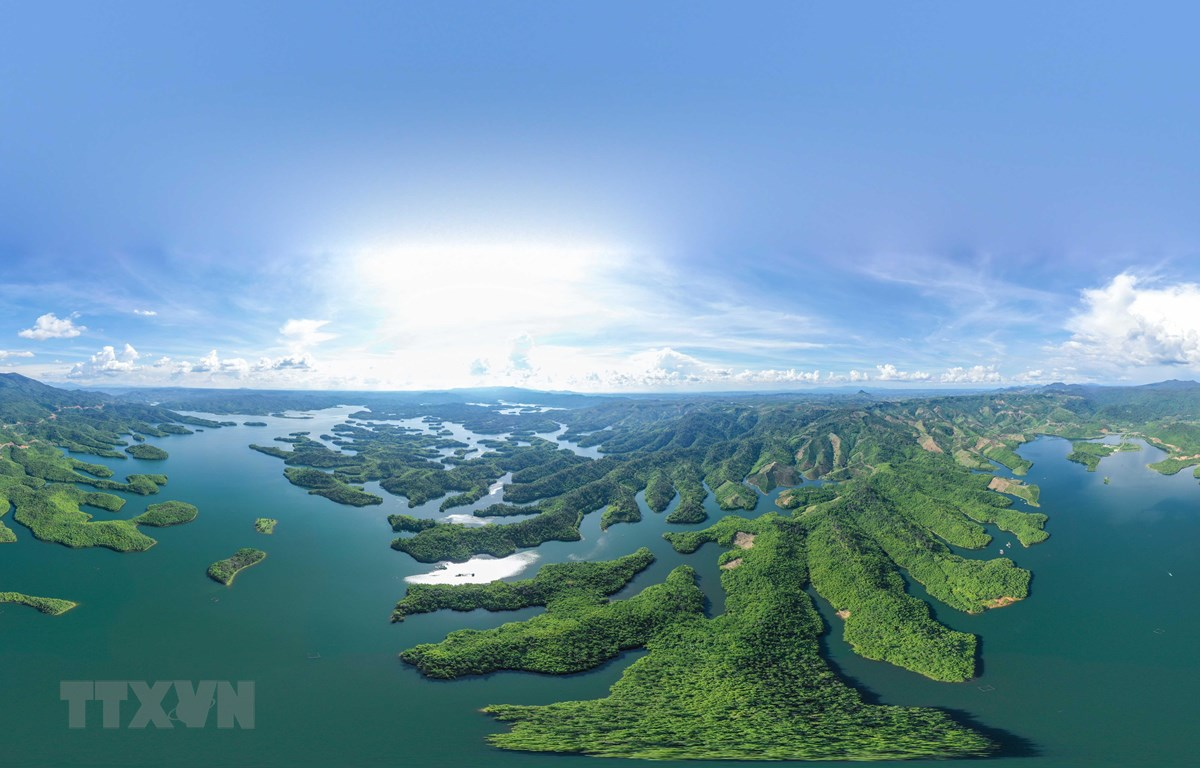 Hồ Tà Đùng, xã Đắk Som, huyện Đắk G'Long, tỉnh Đắk Nông. (Ảnh minh họa: TTXVN phát)