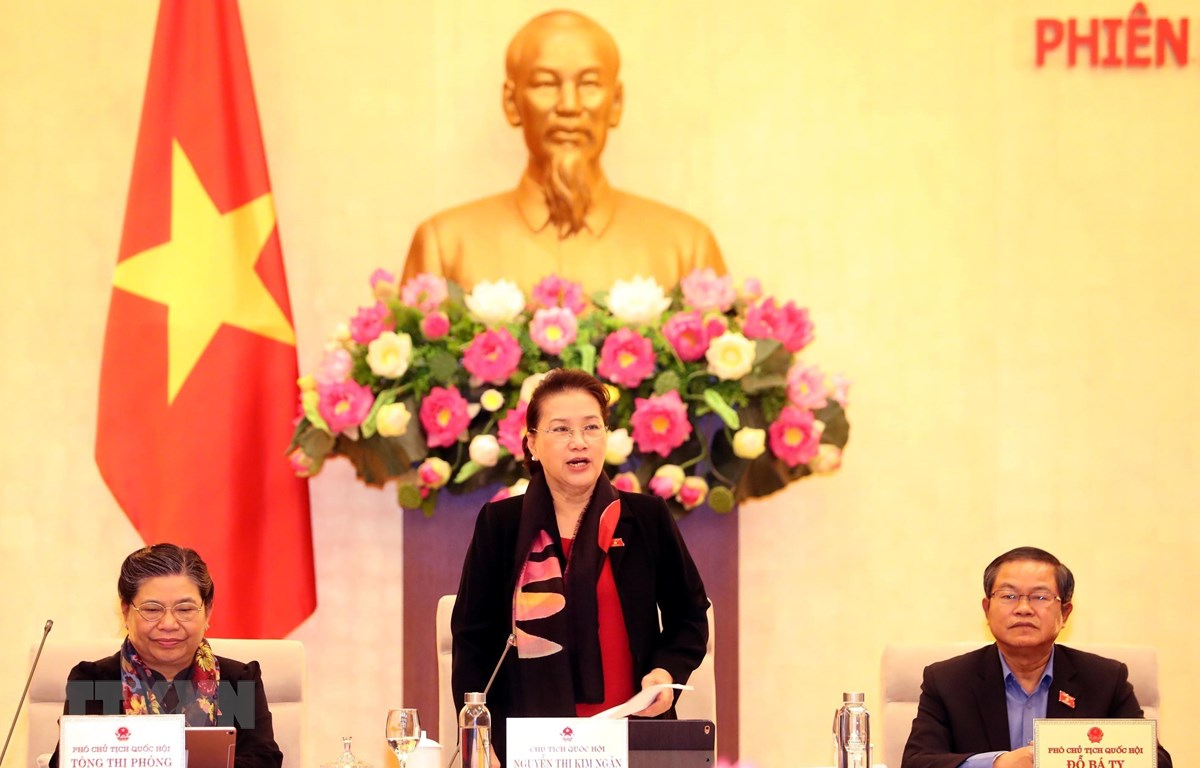 Chủ tịch Quốc hội Nguyễn Thị Kim Ngân phát biểu bế mạc Phiên họp thứ 40 của Ủy ban Thường vụ Quốc hội. (Ảnh: Trọng Đức/TTXVN)
