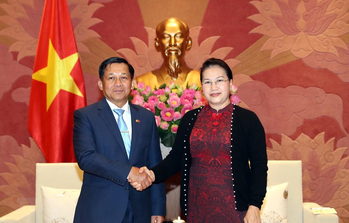 Chủ tịch Quốc hội Nguyễn Thị Kim Ngân tiếp Thống tướng Min Aung Hlaing, Tổng Tư lệnh các lực lượng vũ trang Myanmar đang ở thăm chính thức Việt Nam. (Ảnh: Trọng Đức/TTXVN)