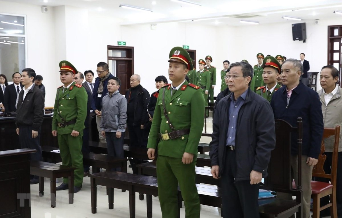 Các bị cáo tại phiên tòa. (Ảnh: Văn Điệp/TTXVN)