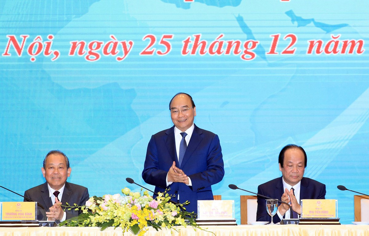 Thủ tướng Nguyễn Xuân Phúc dự Hội nghị tổng kết công tác năm 2019 và phương hướng nhiệm vụ năm 2020 của Văn phòng Chính phủ. (Ảnh: Thống Nhất/TTXVN)
