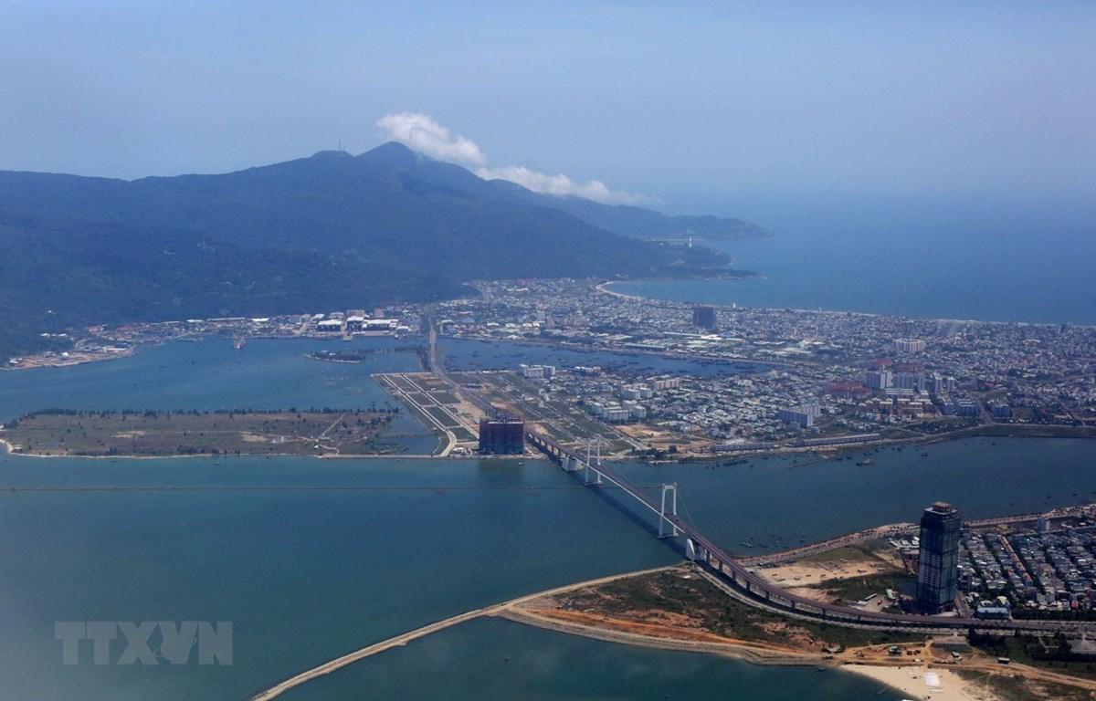 Thành phố biển Đà Nẵng nhìn từ trên cao. (Ảnh: Ngọc Hà/TTXVN)