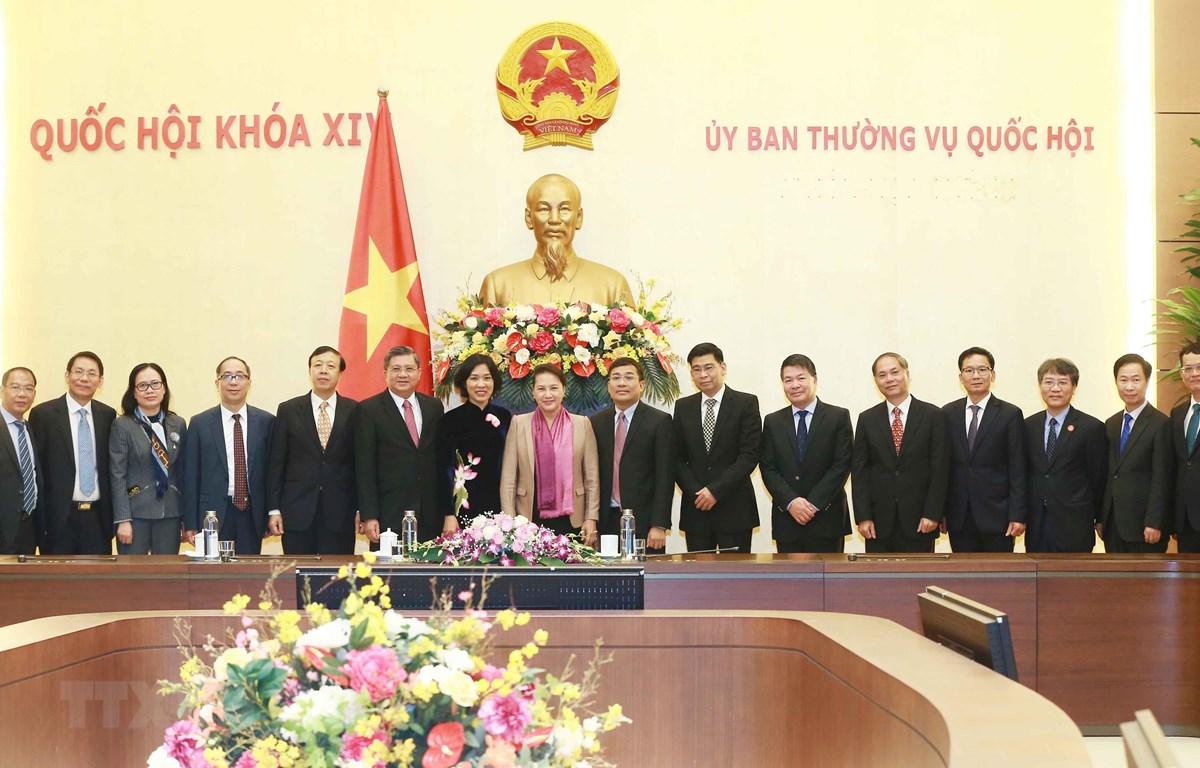 Chủ tịch Quốc hội Nguyễn Thị Kim Ngân với các Đại sứ. (Ảnh: Doãn Tấn/TTXVN)